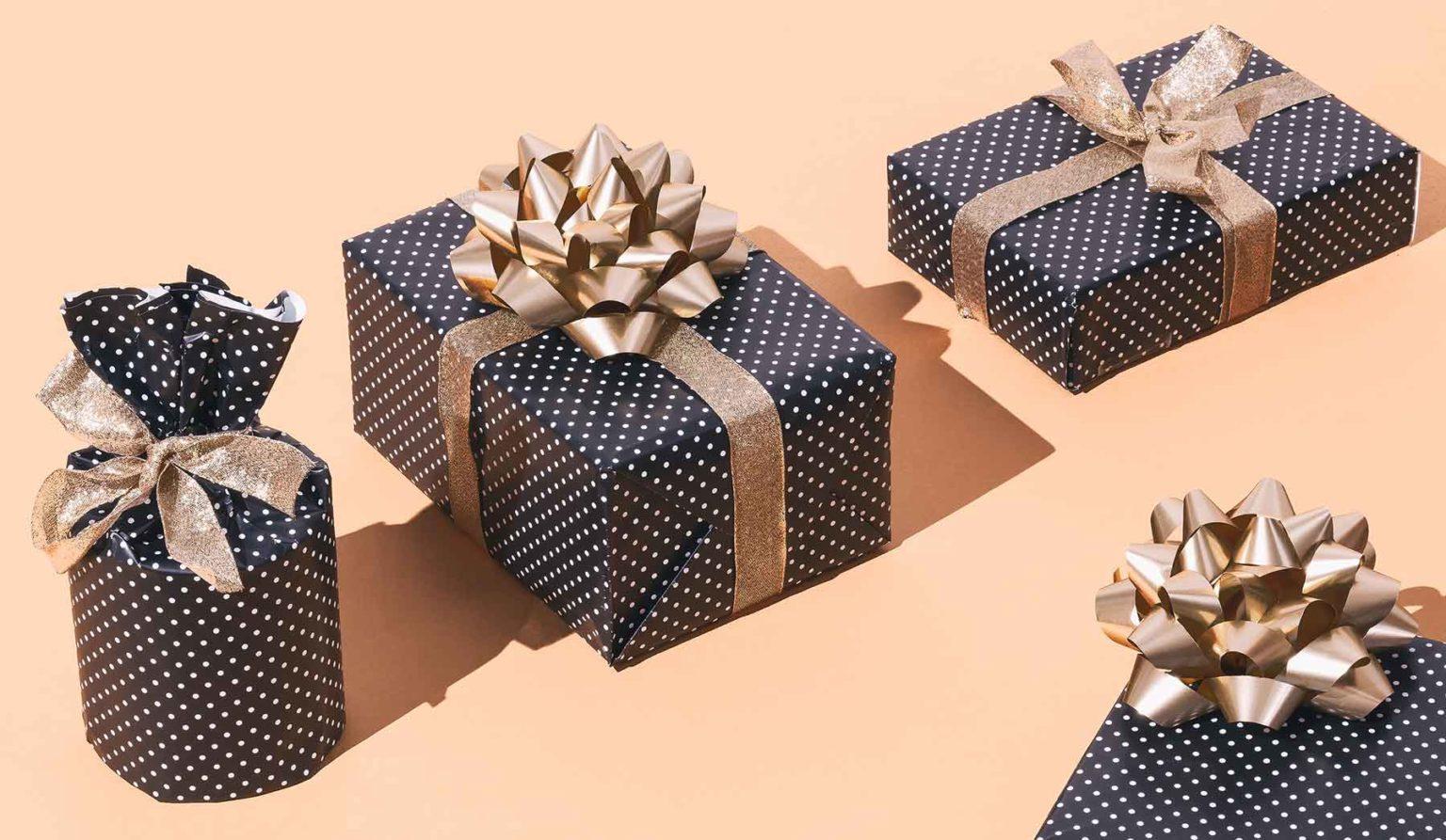 gift-box-set-polka-dots-QNV6TF5.jpg